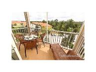 Luxury Windsor Hills 2 Bedroom Condo with Balcony and just 2 miles to Disney