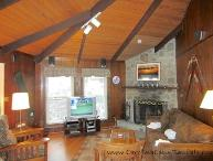 Sleeps 7, Creekside Cabin, Oversized Windows, Stone Wood Burning Fireplace, Beautiful Views