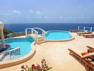 Equinox - Ideal for Couples and Families, Beautiful Pool and Beach