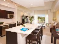 Spacious And Luxurious 3 Bedroom 4 Bathroom Villa Sleeps 8. 5300NW87A-C1