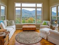 Robin's Nest | 4 BR Asheville Area Vacation Rental | Mountain Views