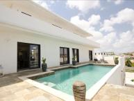 Affordable Luxury Villa with beautiful view of Spanish water
