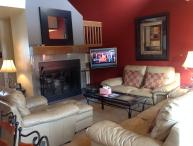 Low Rates-Lovely 3bd home-private hot tub