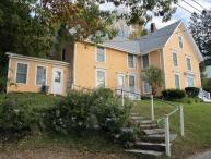 The Orange House Apartment