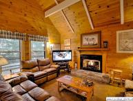 5BR Mountain Chalet with 2 King Suites, Hot Tub, Close to Beech Mountain Ski Slopes and Club Membership Privileges