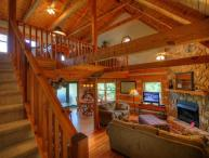 4BR Cabin With Fantastic Views of Grandfather Mountain, Sleeps 9, Great Central Location, Close to Boone and Banner Elk, Close to Skiing&#59; Foosball and Air Hockey