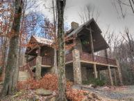 3BR Cabin on Beech Mountain, Hardwood Floors, Leather, Granite, Designer Decor, Outdoor Fireplace on Covered Deck