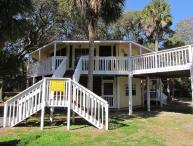 """613 Pompano St - """"Tip Top Tree House"""""""
