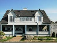 Seaside House: Good Harbor Beach and the Back Shore right outside your door.