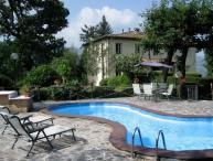 I5.570 - Villa with pool a...