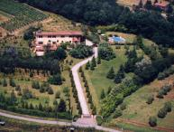 One of our best family properties in the Tuscan countryside. SAL CLU