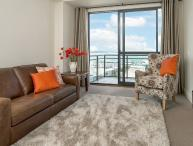 Heritage Towers 12th Floor Apartment with Views over Auckland Harbour.
