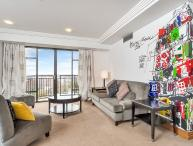 Spacious Metropolis Reisdences 1 Bedroom Serviced Apartment. Views over Auckland City, Harbour and Albert Park.
