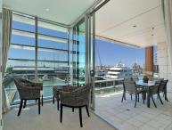 Luxury 2 Bedroom Apartment overlooking Super Yacht Marina in Viaduct Harbour, Auckland