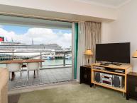 Princes Wharf Auckland Serviced Holiday Apartment with Sea Views