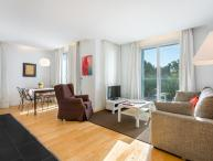 Homearound Rambla Suite & Pool 22 (1BR) - AUTUMN STAYs PROMO