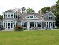 BEAUTIFUL WATERFRONT HOME OVERLOOKING VINEYARD HAVEN HARBOR WATERS