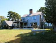 CLASSIC VINEYARD WATERFRONT HOME AT GREAT FISHING SPOT