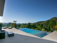 Hollywood Infinity View Villa