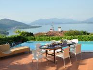 Casa Meina vacation holiday villa casa house rental italy, lake maggiore, lake district, vacation holiday villa casa house to rent