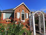Gleneden Beach Cottage w/ Hot Tub , Close to Beach, Spa, Golf and More!