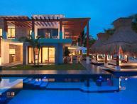 Azul Villa Esmeralda, Sleeps 12