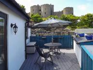 THE OLD BAND HALL amazing views, next to castle, romantic retreat in Harlech Ref 30614