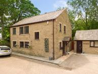 WARLEY LEA HOUSE spacios detached house, enclosed garden, good touring base in Matlock Ref 926680