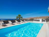 Villa with Stunning Views, Private Pool, Air Con & WiFI LVC198365
