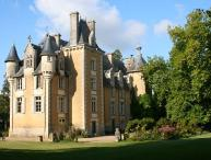 Chateau uxury castle rental in Driveway Potou Loire Valley France - Rent castle