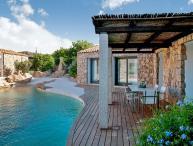 Villa Amoras, Sleeps 14