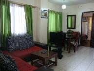 2B Corner Apt Balcony Overlooks Pool-10 min to BGC