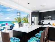 Plum Wild, 2BR beachfront villa on Grace Bay
