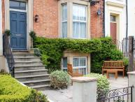 6 ABBEY TERRACE, family friendly, character holiday cottage, with a garden in Whitby, Ref 4281