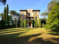 Tuscany Villa with Guesthouse and Pool and Gardens - Villa Placido and Guesthouse