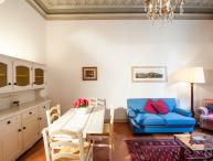 Apartment for a Family in the Center of Siena - Campo