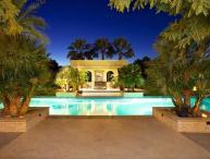 Casa Vida Luxury Family Estate