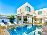 Beverly Modern Villa, Sleeps 10