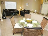 Beautiful Family Apartment - 1.5 Miles to Disney!