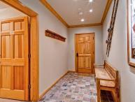 Highlands Lodge  203