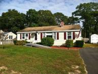 Walk to Parker's River Beach, 3 BR, 3 A/C's very large fenced yard - YA0513