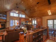 4BR Mountain Chalet with Seasonal Views and Foosball Table, Flat Panel TVs, Grill, Close to Boone, Blowing Rock, ASU Campus, App Ski Mtn, Tweetsie Railroad