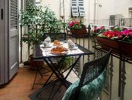 Perfect Historic Center Location-Balcony-Strozzi
