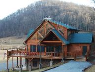 RiverTime-Upscale Riverfront Cabin near Boone & Skiing