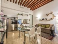 San Lorenzo - very stylish canal view apartment