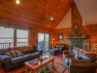 4BR Charming three-story Log Cabin atop Beech Mtn with Multi-Mile Views, Hot Tub, Game Table, Fireplace