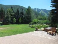 Huffman Mountain Modern Home- Amazing Mountain Views