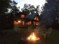 Perfect Time for Outdoor Fire!  PRIVATE CABIN Sleeps 6-8  -3 bdr  3.5 bth.