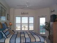 Ocean-front Luxury 3 BR Condo, Spectacular Views