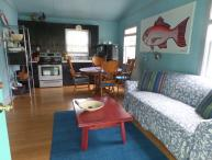 OLD TIME BEACH HOUSE-2 BLKS TO OCEAN -PET FRIENDLY